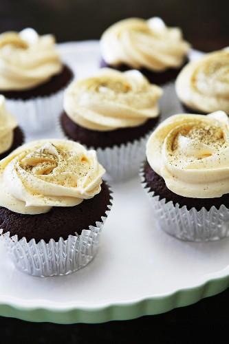 Red Velvet Cupcakes mit Vanillecreme