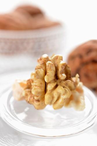 A walnut (close-up)
