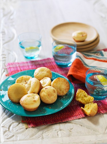 Pao de queijo (cheese rolls, Brazil)