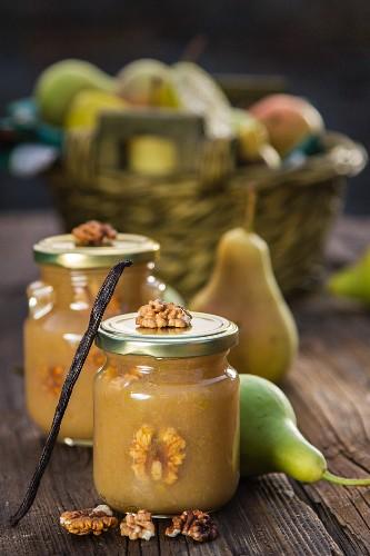 Birnenmarmelade mit Walnüssen und Vanille