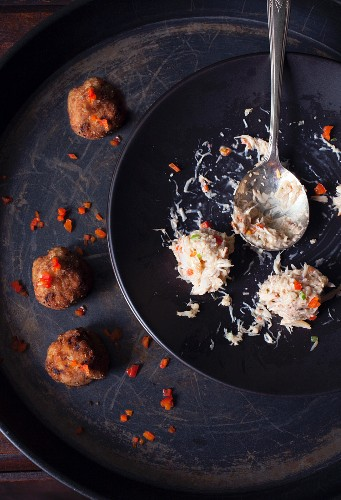 Crab cakes, cooked and uncooked