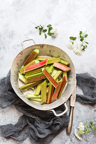 Sliced ??rhubarb in metal bowl