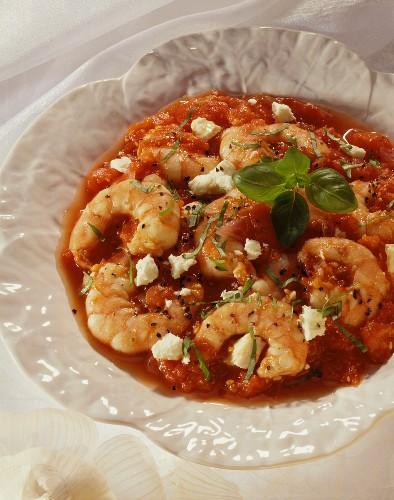 Garnelen in Tomatensauce mit Feta und Basilikum