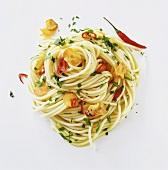 Spaghetti with garlic, chili and parsley