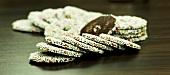 Nonpareilles (Schokoladenplätzchen mit Zuckerstreuseln)
