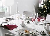 Weihnachtstisch mit Canapes