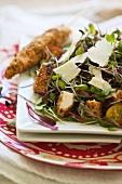 Salatteller mit gegrillten Hähnchenspiesschen