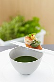Lamb's lettuce purée with scallop (Asia)