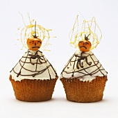 Halloween muffins with iced vanilla cream