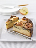 Apple yeast cake with poppyseed cream