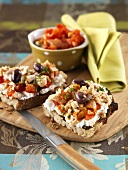 Open sandwiches with cream cheese and rabbit