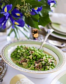 Peas in wine and mustard sauce