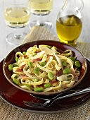Tagliatelle with broad beans and ham