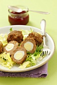 Minced meat balls with quail's eggs
