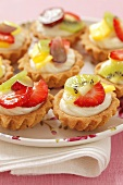 Fruit tartlets with vanilla cream