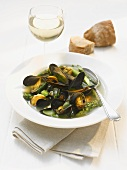 Mussels with green asparagus
