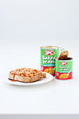 Baked beans in tins and on bread