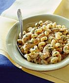 Pasta al pollo con le olive (pasta with chicken and olives)