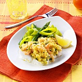Fish fillet with shrimp and vegetable crust