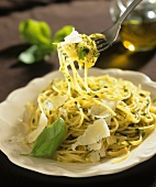 Spaghetti with basil and Parmesan