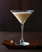 Brandy Alexander: brandy with cocoa cream and nutmeg in a Martini glass