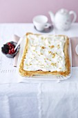Gooseberry cake with vanilla cream