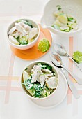 Chicken with potatoes, spinach and a tarragon dip