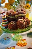 Filled hazelnut biscuits for Easter