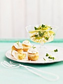 Spicy muffins with apple and cress salad