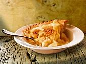 Apple pie with vanilla sauce (England)