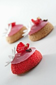Vanilla choux pastry with raspberry icing