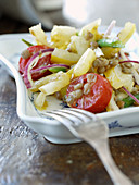 Vegetable salad with pears and lentils