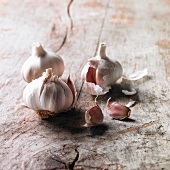 Fresh garlic bulb