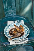 Guinea fowl with red wine sauce