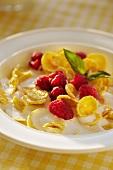 Cornflakes with raspberries and milk