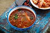 Tom yang gung (spicy soup with prawns, Thailand)
