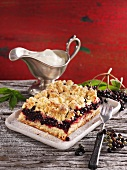 Elderberry crumble cake