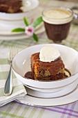 Sticky toffee pudding (UK)