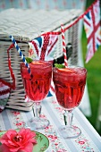 Strawberry and gin cocktails for a Jubilee party (England)