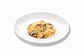 Spaghetti with mushrooms and a creamy sauce