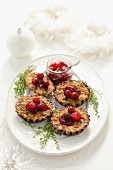 Buckwheat tartlets with mushrooms and cranberries (Christmas)