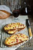 Gratinated bread with ham and raclette cheese