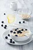 Porridge with fresh blueberries