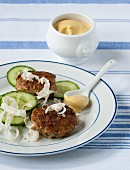 Burgers with cucumber, horseradish and mustard