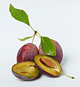Whole plums and plum halves