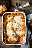 Lasagne with tomatoes, cannellini beans and mozzarella (view from above)