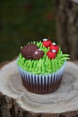 Cupcake decorated with a hedgehog