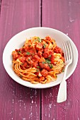Spaghetti with pancetta and tomatoes