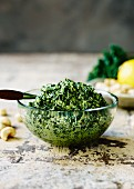 Kale and cashew nut pesto