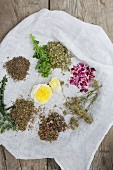 Ingredients for aromatised women's tea